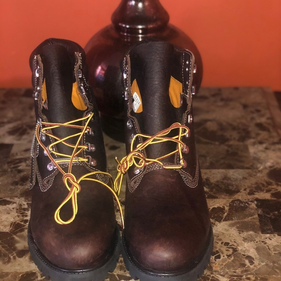 Timberland 4 Below 6 Inches Sz 2 Brand